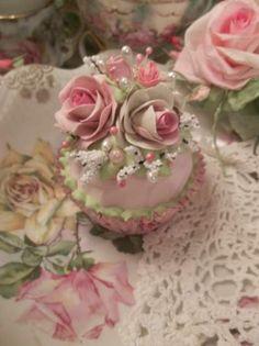 (Country Rose) Fake Cupcake