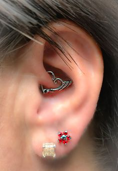 Teardrop CZ Cubic Zirconia Solid Gold Cartilage, Conch, Helix, Internally Threaded Labret Flat Back Piercing - Custom Jewelry Ideas Bar Stud Earrings, Crystal Earrings, Diamond Earrings, Double Earrings, Daith Piercing Jewelry, Cartilage Earrings, Heart Piercing, Conch, Ear Jewelry