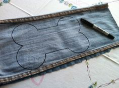 Doggie Denim DIY.....great recycle for those dogs that go through store bought toys in under a minute!!!