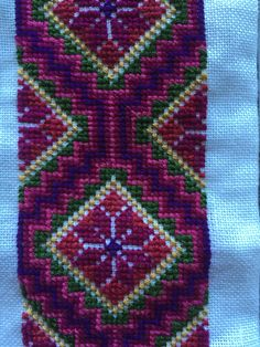 Embroidery Neck Designs, Embroidery Flowers Pattern, Flower Patterns, Cross Stitch Designs, Bohemian Rug, Rugs, Dresses, Decor, Needlepoint