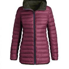 Deze Parajumpers donsjas is voor dames. De jas is reversible te dragen. De jas