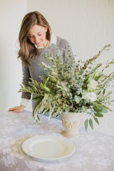 Blogger Bride, A Dash of Details: http://www.stylemepretty.com/2015/03/04/5-budget-friendly-secrets-from-a-wedding-planner/ | Photography: Elyse Hall - http://elysehall.com/