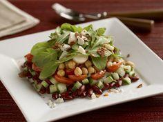 Salat mit Kichererbsen, Bohnen und Rucola | Zeit: 35 Min. | http://eatsmarter.de/rezepte/salat-mit-kichererbsen-bohnen-und-rucola