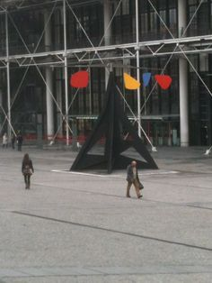 A lovely Calder sculpture in front of Centre George Pompidou (Photo from Oct. 2012)