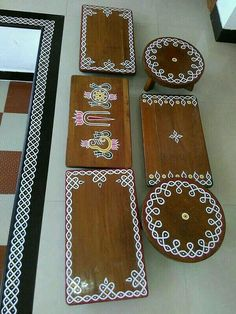 Home Discover - room ideas decoration Rangoli Designs Flower, Rangoli Border Designs, Rangoli Ideas, Rangoli Designs Images, Flower Rangoli, Free Hand Rangoli Design, Small Rangoli Design, Diy Diwali Decorations, Festival Decorations