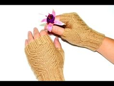 How to pick up 4 stitches for Fingerless Mittens Thumb-holes. This video is showing how to pick up 4 stitches for the mittens thumb-holes. This method is used in my Pioneer Lace Fingerless Mitts knitting pattern. Fingerless Gloves Knitted, Knit Mittens, Knitting Videos, Arm Warmers, Knitting Patterns, Knit Crochet, Drops Design, Ravelry, Lace