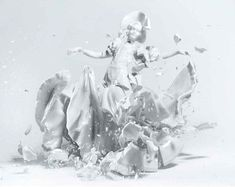 Martin Klimas uses high speed #photography to capture images of porcelain figurines as they shatter on the ground. #art