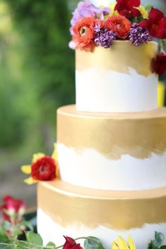 Gold leaf cake: http://www.stylemepretty.com/2014/10/18/eclectic-desert-chic-inspiration-in-texas/   Photography: Seen Photography - http://www.seen-photography.com/