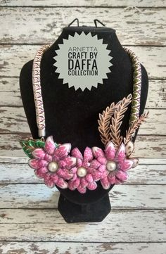 Fabric Necklace, Collars, Decoupage, Flowers, Crafts, Accessories, Jewelry, Art, Art Background