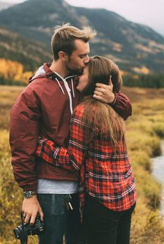 life by the mountains; I want to take a couple pic like this...too cute