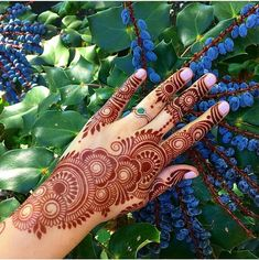 50 Most Beautiful Looking Raksha Bandhan Mehndi Design (Raksha Bandhan Henna Design) that you will love to try on Raksha Bandhan. Henna Hand Designs, Modern Henna Designs, Mehndi Designs Finger, Palm Mehndi Design, Mehndi Designs Book, Mehndi Designs For Girls, Arabic Henna Designs, Mehndi Designs For Beginners, Mehndi Designs For Fingers