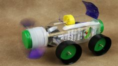 Car made with a bottle - (Rubber Band Powered Car) Recycling Projects For School, Projects For Kids, School Projects, Recycled Bottles, Plastic Bottles, Easy Diy Crafts, Recycled Crafts, Diy Moving Toys, Diy Electric Toys