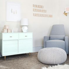 Loving everything about #PorchBlogger @brepurposed's nursery makeover! Click the link in our bio for a tour of the modern and chic space.