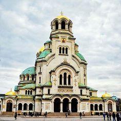 Alexander Nevsky Cathedral #love by gothreetwentyfour. traveldiaries2017 #alexandernevskycathedral #everythingeverywhere #traveldiaries #igerssofia #instasofia #travelgram #travelbug #gowondergirls #easternorthodox #love #travelgirl #alexandernevsky #travelstoke #budapest🇭🇺 #ig_bulgaria #cntraveler #mybulgaria #ig_sofia #sofia #lonelyplanet #travellife #travelblog #tbscommunjty #instabulgaria #bbctravel #letsgowonder