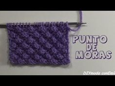 Cómo tejer punto fantasía de moras en dos agujas - YouTube Knitting Stiches, Arm Knitting, Knitting Charts, Crochet Stitches, Knitting For Dummies, Knitting Videos, Crochet Videos, Crochet Hooded Scarf, Knit Or Crochet