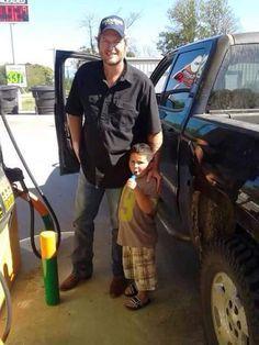 luzabelle: Blake with a little boy!
