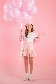 #Icecream12 daily2016 Debut Photoshoot, Photoshoot Concept, Photoshoot Themes, Photoshoot Inspiration, Studio Photography Poses, Pastel Photography, Fashion Photography, Moda Barbie, Creative Shot