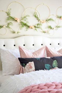Simple teen girl bedrooms makeover for the delightful teen girl room decor, image reference 7502399181 Girl Bedroom Walls, Teen Girl Bedrooms, Bedroom Themes, Room Decor Bedroom, Girl Room, Cozy Bedroom, Bedroom Ideas, Above Bed Decor, Floral Bedroom