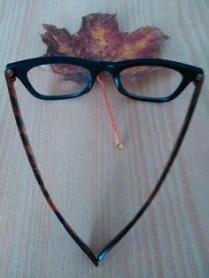 Emotion and feeling Dear World, Eyes, Feelings, Glasses, Eyewear, Eyeglasses, Eye Glasses, Human Eye