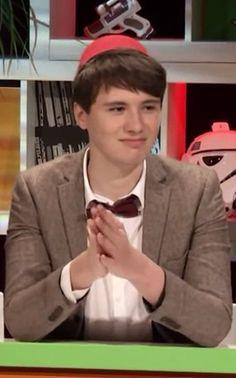 Dan looks like a legit child Daniel James Howell, Dan Howell, British Youtubers, Best Youtubers, Dan And Phill, Phil 3, Danisnotonfire And Amazingphil, 11th Doctor, Meme Lord
