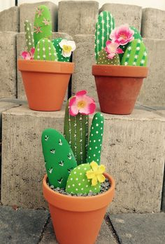Cute stone cacti are so adorable! #DIY #stonecrafts