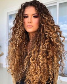 Dyed Curly Hair, Colored Curly Hair, Curly Hair Tips, Curly Hair Care, Color For Curly Hair, Hair Color, Long Curly Haircuts, Curled Hairstyles, Pretty Hairstyles