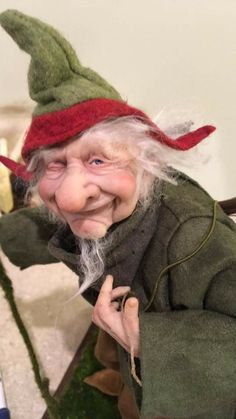 this looks a bit like grandma. Woodland Creatures, Magical Creatures, Wild Creatures, Fantasy Figures, Haunted Dolls, Elves And Fairies, Fairy Figurines, Gothic Dolls, Monster Dolls