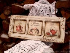 I like the frame.looks like it was stamped on. Wood Crafts, Diy And Crafts, Decoupage Vintage, Country Paintings, Dollhouse Accessories, Shabby Chic Cottage, Mosaic Art, Canvas Frame, Painting On Wood