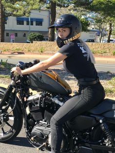 Where's everyone riding to this Sunday? Harley Davidson Sportster motorcycle bike babe rides out. Lady Biker, Biker Girl, Sportster Motorcycle, Chicks On Bikes, Motorbike Girl, Hot Bikes, Biker Chick, Biker Style, Foto E Video