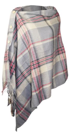 How to wear a blanket scarf as a poncho fashion 26 Ideas Poncho Outfit, Poncho Shawl, Blanket Poncho, Blanket Scarf Outfit, How To Wear A Blanket Scarf, How To Wear Scarves, Tartan Scarf, Wool Scarf, Diy Fashion