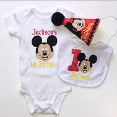 Mickey mouse birthday set Baby 1st Birthday, Mickey Mouse Birthday, Minnie Mouse Shirts, Baby Photos, Photo Sessions, Special Day, Little Ones, Babies, Baby Pictures