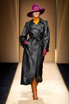 Luisa Spagnoli Fall Winter 2020 - 2021 fashion show at Milano Fashion Week (February Fashion 2020, Fashion Show, Fashion Outfits, Elegant Dresses Classy, Germany Fashion, Long Leather Coat, Iranian Women Fashion, Leder Outfits, Costumes For Sale