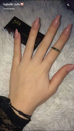 Semi-permanent varnish, false nails, patches: which manicure to choose? - My Nails Summer Acrylic Nails, Cute Acrylic Nails, Acrylic Nail Designs, Matte Nails, Nude Nails, Almond Acrylic Nails, Matte Pink, Summer Nails, Hair And Nails