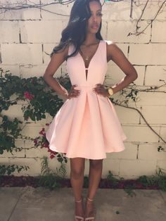 V-neck Sleeveless Grad dress