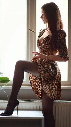 Great Legs, Beautiful Legs, Gorgeous Women, Sexy Outfits, Sexy Dresses, Looks Pinterest, Sexy Women, Frauen In High Heels, Vestidos Sexy