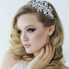 An outstanding ornate wedding headband will give that wow factor giving your wedding look a dramatic style with this beautiful side tiara is oozing elegance and a stylish vintage touch A beautiful wedding side hair piece in a luxurious design embe. Wedding Headband, Bridal Headbands, Bridal Hair, Crystal Headband, Pearl Headband, Flapper Headband, Winter Wedding Hair, Traditional Engagement Rings, Wedding Hair Accessories