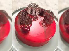 Kake med mirror glaze   Godt.no Mirror Glaze Cake, Norwegian Food, New Cake, No Bake Cake, Sweet Recipes, Frisk, Dessert Recipes, Dessert Ideas, Panna Cotta