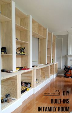 DIY - Family Room Built-Ins - Building and Installing The Shelves - Remodelando . DIY - Family Room Built-Ins - Building and Installing The Shelves - Remodelando la Casa Diy Built In Shelves, Built In Shelves Living Room, Bookshelves Built In, Built In Cabinets, Basement Built Ins, Bookcases, Build In Bookshelves, Bedroom Built Ins, Tv Built In