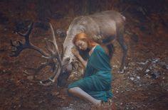 Фото Катерины Плотниковой, девочка с оленем