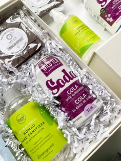 Welcome your employees back to the office ~ welcome back gift // hand sanitizer // desk treats // coffee // corporate gifting // employee gifts // entrepreneur // business ~ #moderngifting #welcomebackgift #backtoworkgift Custom Gift Boxes, Customized Gifts, Welcome Back Gifts, Butter Sugar Cookies, Curated Gift Boxes, Custom Ribbon, Professional Gifts, Employee Gifts, Client Gifts