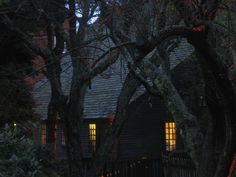 Halloween at The Witch House in Salem, Massachusetts, USA (by aloo gobi).