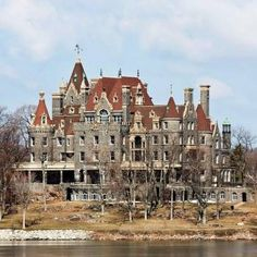 Boldt Castle is one of the most gorgeous places in Alexandria Bay, NY. the castle is on the appropriately named Heart Island in the Thousand Islands region of Alexandria Bay. Abandoned Property, Abandoned Castles, Abandoned Mansions, Abandoned Places, Scary Places, Haunted Places, Old Buildings, Abandoned Buildings, Unique Buildings