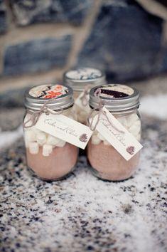 HOT CHOCOLATE & MARSHMALLOWS WEDDING FAVORS IN MASON JARS... SO CUTE FOR A WINTER WEDDING!
