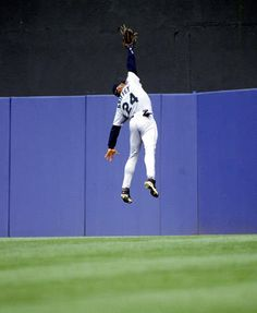 1997: A Leaping Catch  Griffey was one of the greatest center fielders in baseball history, making spectacular catches routinely. He won Gold Gloves in 10 consecutive seasons
