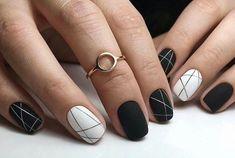 [ black + white nail art ]
