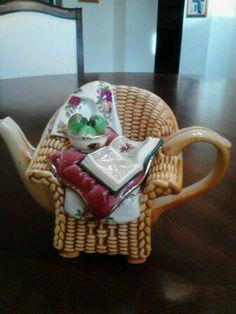 RD OCR Wicker Chair Teapot