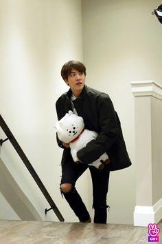 It's just lovely😍😍 to see that Daddy Jin is carrying his Son RJ whereever he is going Daddy Jin ♥ RJ Jimin, Bts Jin, Suga Rap, Jin Kim, Bts Bangtan Boy, Seokjin, Kim Namjoon, Kim Taehyung, Jung Hoseok