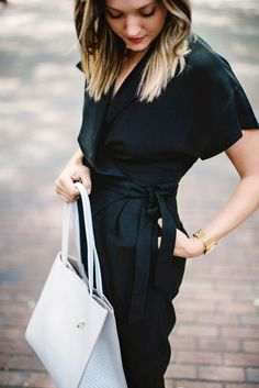 Add a pop of white to your classic all black look with our Italian leather tote. This carry all bag is a timeless must have | Banana Republic