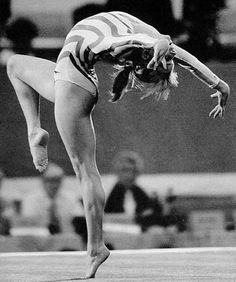 Kathy Johnson (United States) on floor at the 1984 Los Angeles Olympics Artistic Gymnastics, Rhythmic Gymnastics, Gymnastics Pictures, Commonwealth Games, Female Gymnast, Contortion, Action Poses, My Passion, Leotards