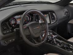 A Chrysler investiu pesado nos conceitos para o SEMA, apostando em um Dodge Challenger de tração integral, um furgão para pilotos de arrancada e alguns outros conceitos — tem até carro da Fiat. Confira no FlatOut!